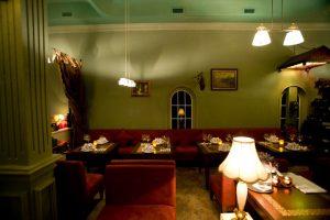 Phòng VIP cho khách nhà hàng rượu vang pháp