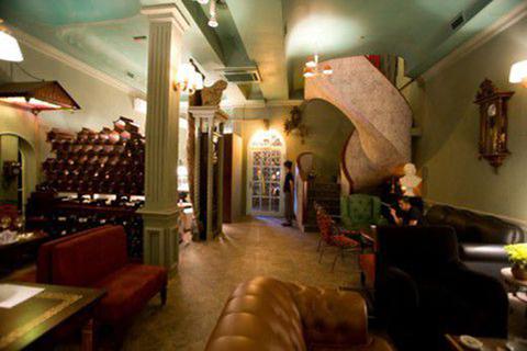 Phòng khách nhà hàng rượu vang pháp